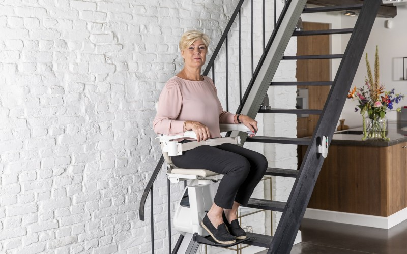 1100 woman stairlift posing 3